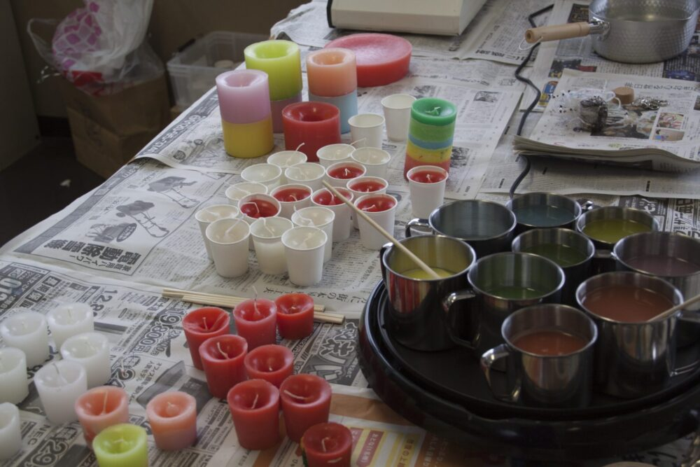 素人先生の子ども向け「キャンドル作り体験」を実施しました。