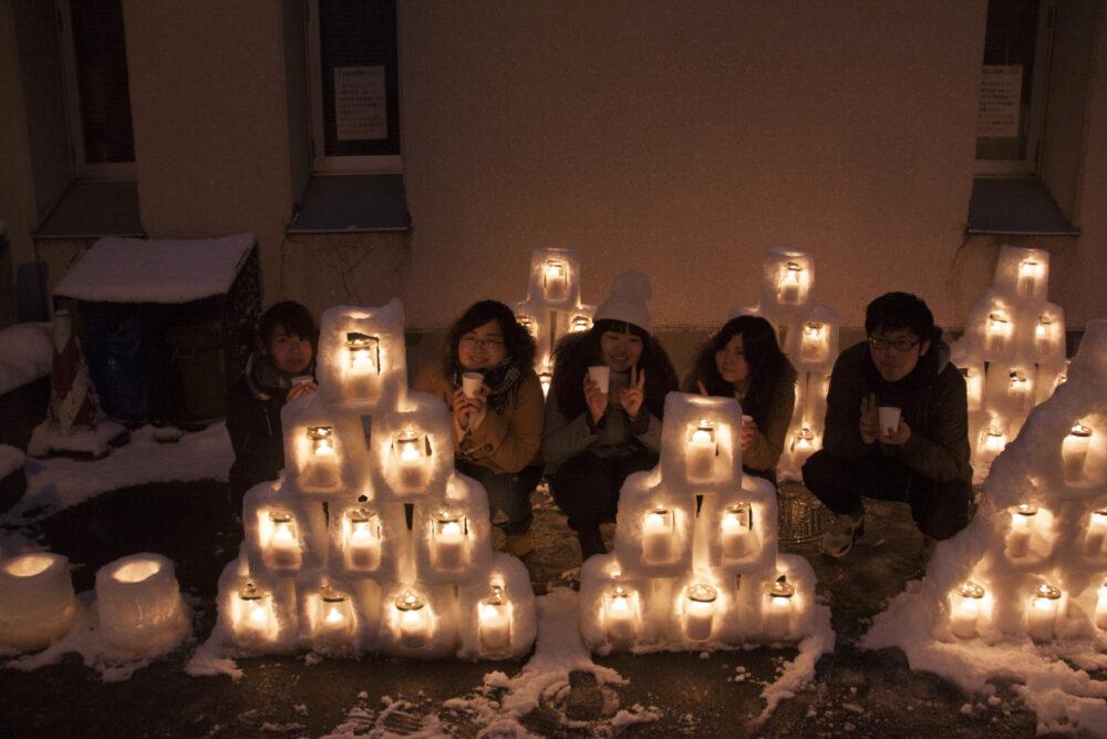 地域交流の一環として「ミニかまくらde雪灯り」を開催しました。